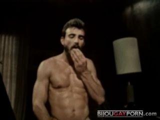 Parker da aléia da pornografia do vintage fode o bob blount nas polegadas (1979)