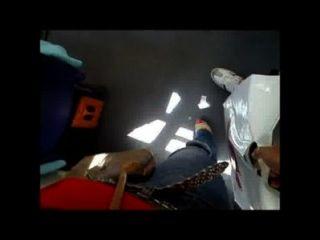 Mulher tenta tocar meu pau no ônibus