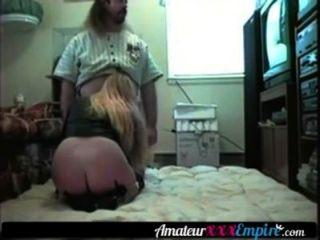 Loura milf fode seu marido no chão