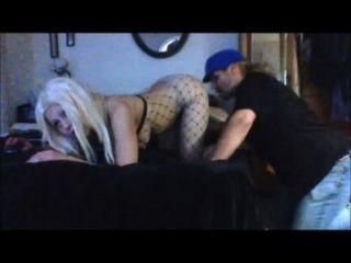 Sexy blonde barbie blaze recebe seu buraco é sugado