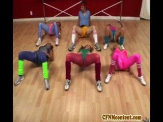 Cfnm ação na aula de ioga com raquel