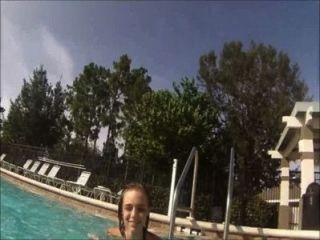 Lilyth mae amador teen modelo subaquático vídeo