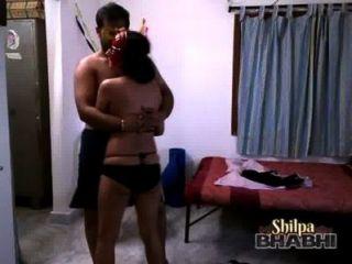 Shilpa bhabhi sexy indiano babe dançando em biquíni com marido