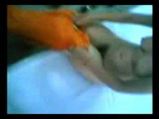 Garotas indianas peludas sexy suga e fode