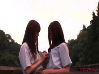 2, schoolgirls, beijando, petting, enquanto, ficar, ao ar livre