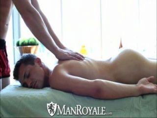 Manroyale massagem sensual se transforma em sexo quente