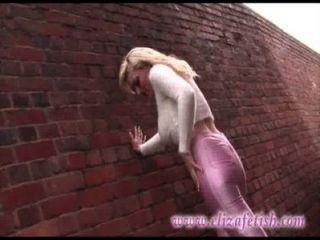 Pele apertada rosa leggings, designer rosa saltos altos, para fora em birmingham