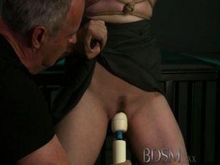 Bdsm xxx submissos horny jovens só cum quando seus mestres permitem