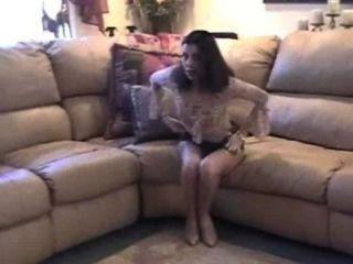 Orgasmo quente no sofá