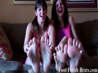 Você sabe que você ama sugando em nossos dedos do pé