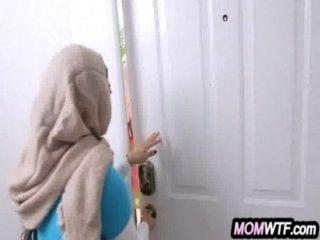 Arab mãe e filha compartilham galo julianna vega, mia khalifa 23 81