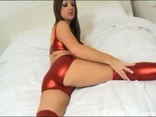 Cate em nada, mas brilhante pvc vermelho panties