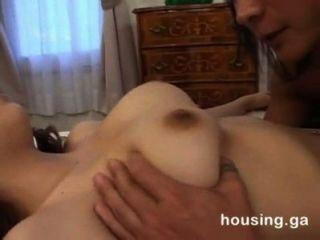 Irmã viúva asiática seduzida e fodida por cunhado