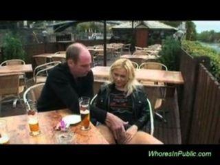 Boquete e foda em público