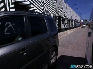 Petite amateur mila chama ass fodido no 305bus.1