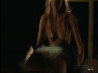 Loira pinta dá um bj no filme