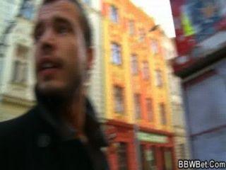 Ele pega bbw da rua