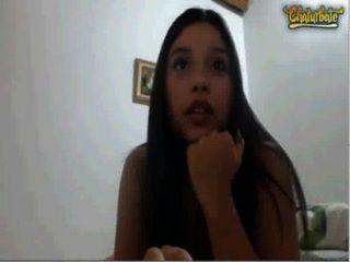 Linda latina adolescente com mamas enormes se masturbar