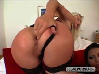 2 meninas sexy com peitos grandes tomar um pau grande na bunda rmg 1 02