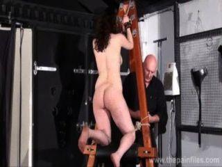 Extrema dungeon escravos beauvoirs chicote post punição e meninas fetiche espancar