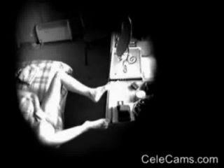 Invasão da privacidade de mães horny masturbating.câmera escondida