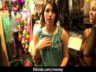 Quer fazer sexo por dinheiro 21