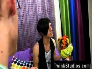 A cena gay surpreendente taylor lee e jae landen são duas faculdade envelhecida