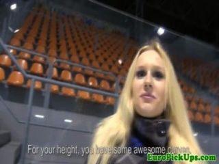 Amateur euro blonde pegou para anal