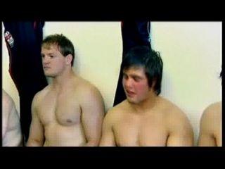 Jogadores de rugby desnudos en examen m