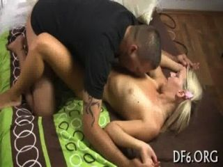 Sexo pela primeira vez para uma beleza
