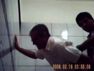 Admirersamateur sexo amador no banheiro soloboys.tv os melhores videos de sexo gay da internet