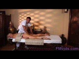 Loira doce fodido duro por masseur tesão
