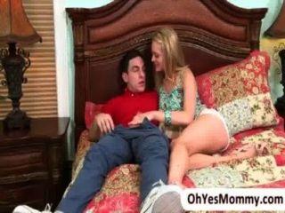 Eva se junta fazendo amor com a adolescente allie e seu namorado