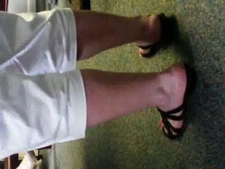 Joanns chunky smelly irlandês branco calcanhares e solas de escritório