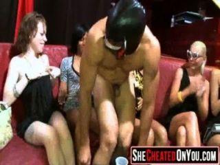 23 meninas slutty chupar galo no sexo party04
