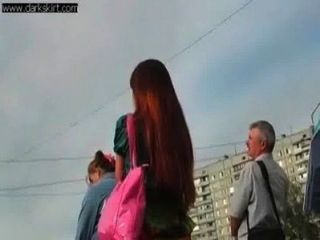 Funky russian teen upskirted na rua