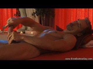 massagem de amor próprio erótico