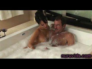 asa akira handjob quente na banheira
