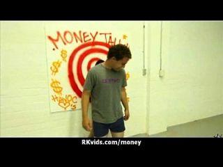 pintinho amador leva dinheiro para uma porra 10