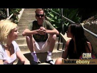 Ebony babe é um grupo de garotos brancos 16