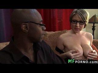 professor com óculos tenta big black dick velicity von 2