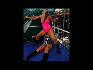 O novo wrestling feminino e o wrestling mixado lançam o volume 6