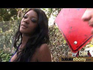 Sexo bukkake interracial com estrela pornô negra 14