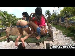 06 jovens jovens latinas 3way pool sex 10