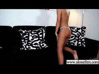 sozinho, garotas excitadas, amor brinquedos sexuais para clip de masturbação 29