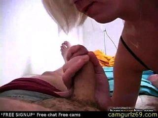 Masturbação da linda blusa amadora em pornô amador quente 1 bate-papo na webcam ao vivo