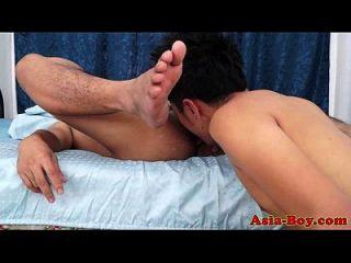 minhocas gay asiáticas rimming e fucking