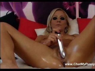 webcam blonde masturba com seus dildos favoritos