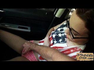 adolescente encalhado suga dick para um passeio em casa tali dava.4