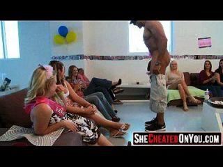 50 strippers ficam explodidos no partido feminino cfnm 53